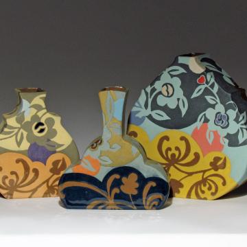 Spider Mum Vase Trio